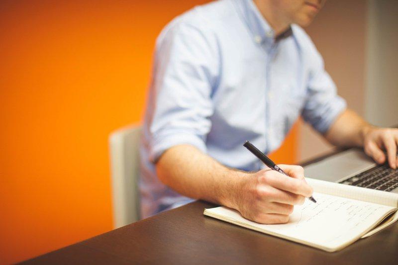 Entreprenör tar det bästa företagslånet.jpg